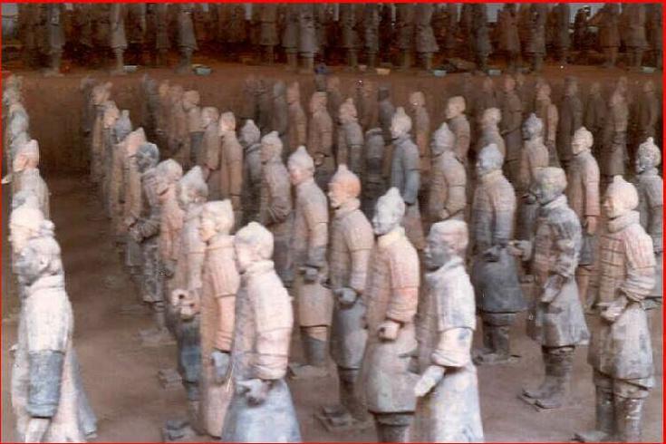 Hrobka s hliněnými vojáky 2