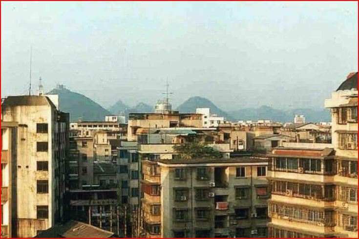 Výhled z hotelu Osmanthus v Kuejlinu